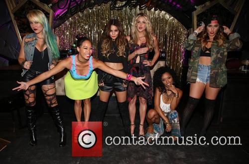 Brooke Adams, Nori Juliano, Vanessa Hudgens, Laura New, Dominique Domingo and Jamie Ruiz 7