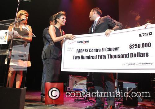Eva Longoria and Verizon Sponsors 2