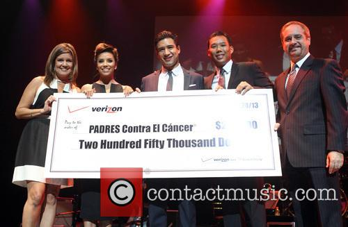 Mario Lopez, Eva Longoria and Verizon Sponsors 6