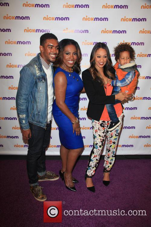Etienne Maurice, Sheryl Lee Ralph, Tia Mowry-hardrict and Cree Taylor Hardrict 2