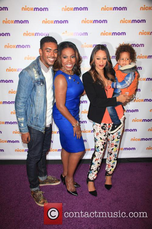 Etienne Maurice, Sheryl Lee Ralph, Tia Mowry-hardrict and Cree Taylor Hardrict 1