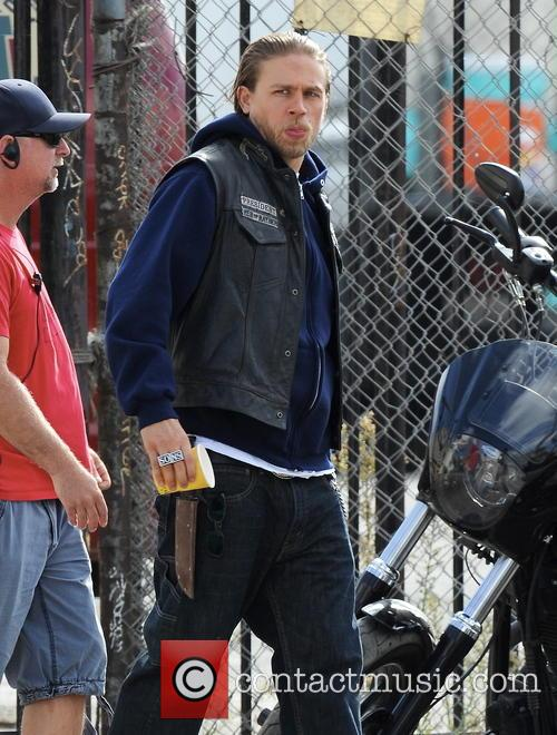 charlie hunnam sons of anarchy in downtown 3881397