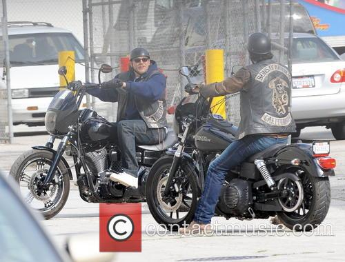 Charlie Hunnam and Tommy Flanagan 6