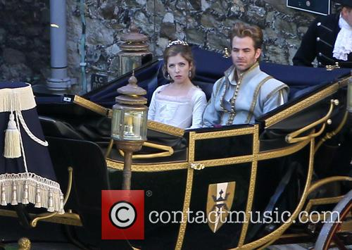 Anna Kendrick and Chris Pine 2