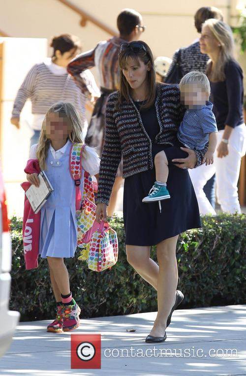 Jennifer Garner, Samuel Affleck and Violet Affleck 10