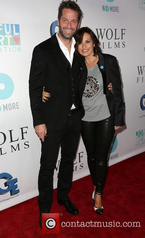 Peter Hermann and Mariska Hargitay 4