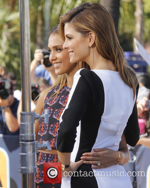 Jessica Alba and Maria Menounos 2
