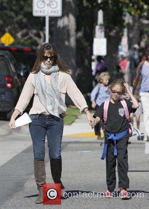 Jennifer Garner and Violet Affleck 2