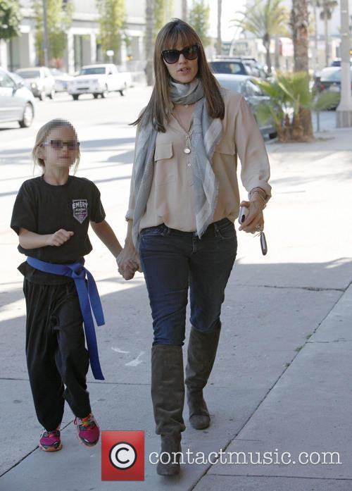 Jennifer Garner and Violet Affleck 14