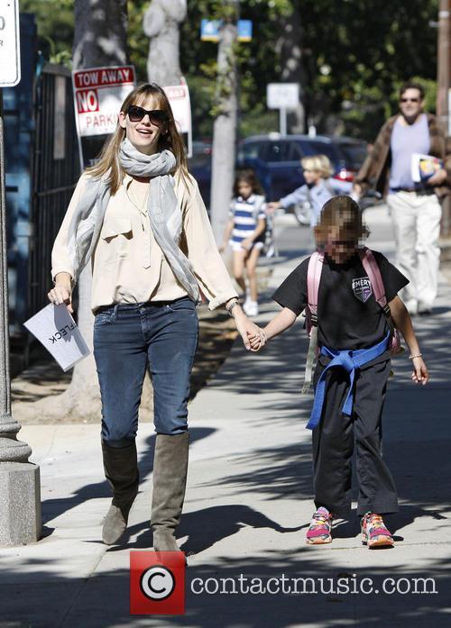 Jennifer Garner and Violet Affleck 15