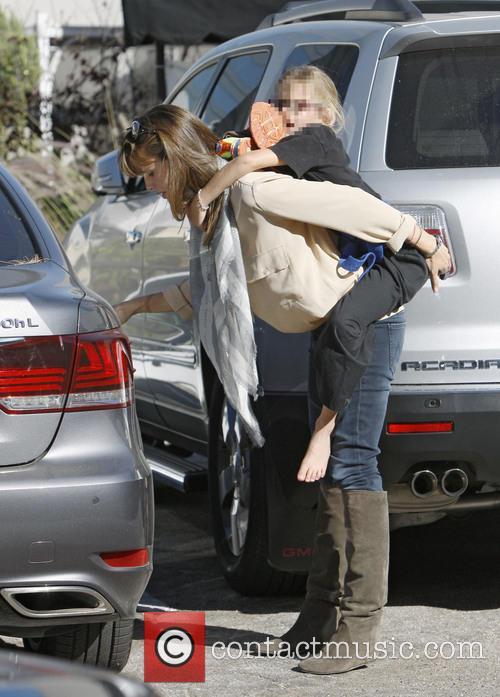 Jennifer Garner and Violet Affleck 19