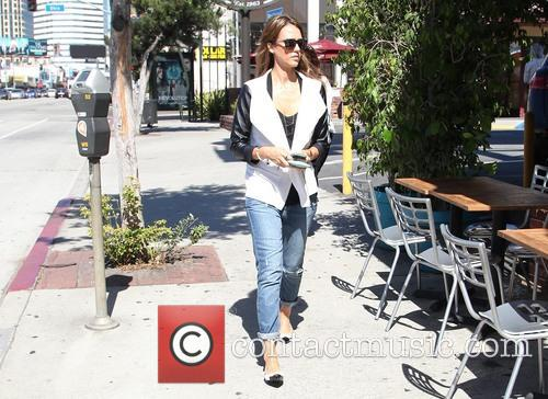 jessica alba jessica alba stops for coffee 3883629