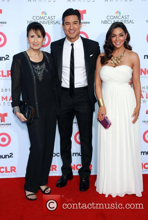 Elvia Lopez, Mario Lopez and Courtney Lopez 3