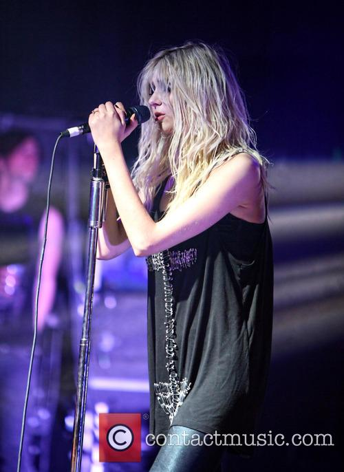 taylor momsen the pretty reckless perform at 3885545