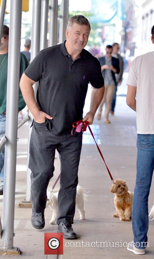 alec baldwin alec baldwin walking with family 3971760