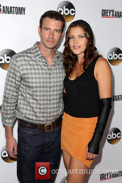 Scott Foley and Marika Dominczyk 10