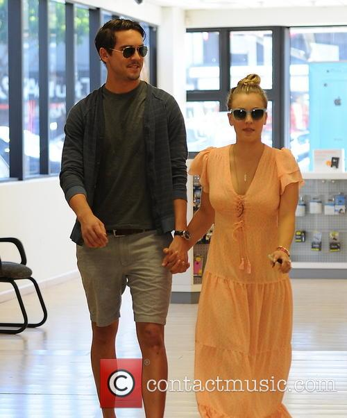 Kaley Cuoco and Ryan Sweeting 2