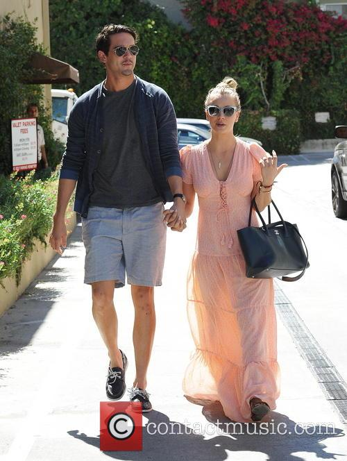 Kaley Cuoco and Ryan Sweeting 8