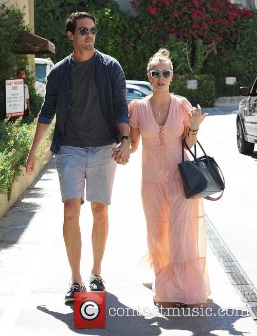 Kaley Cuoco and Ryan Sweeting at Marmalade Cafe
