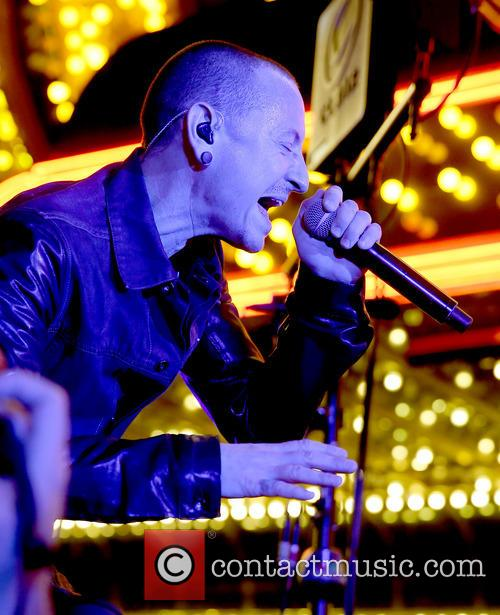 chester bennington stone temple pilots with chester 3884176