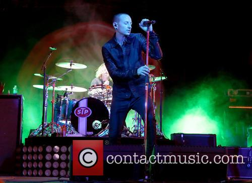 chester bennington stone temple pilots with chester 3884204