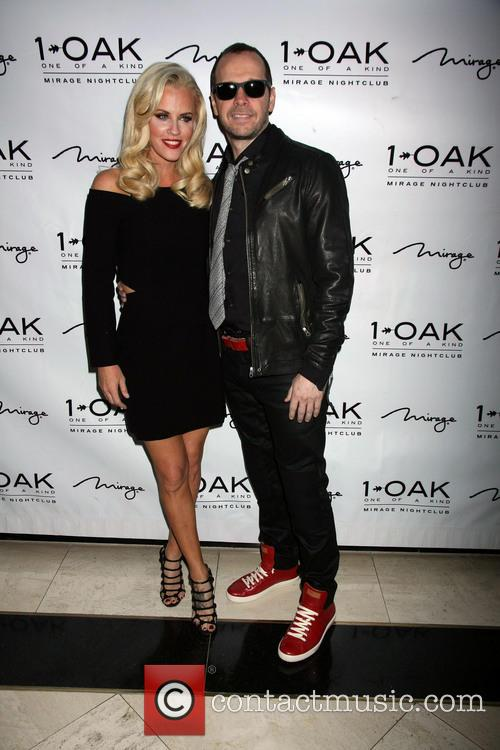 Jenny Mccarthy and Donnie Wahlberg 11