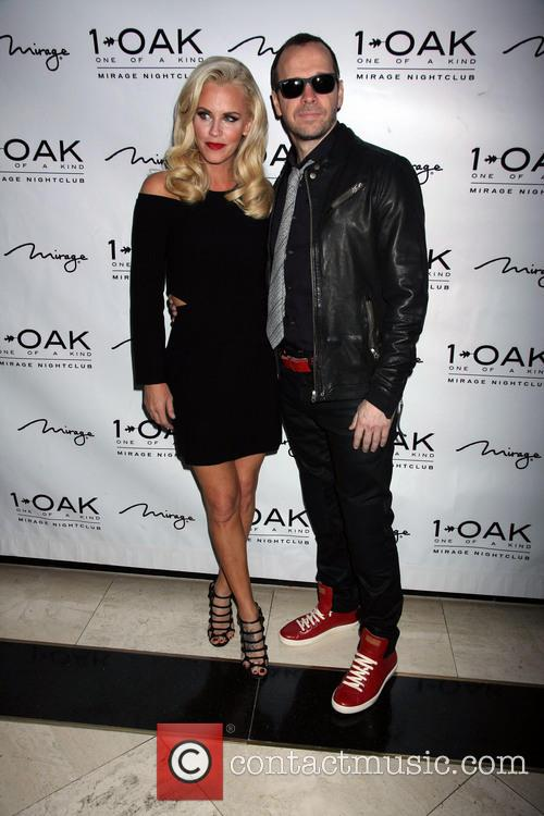 Jenny Mccarthy and Donnie Wahlberg 9