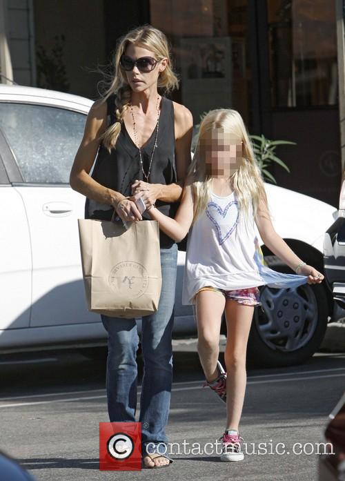 Denise Richards and Lola Rose Sheen 9