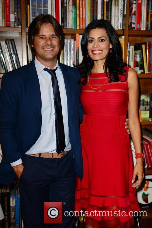 Diana Jaramillo promotes her book 'Tu Guia Interior'