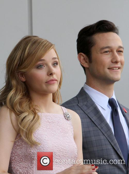 Chloe Grace Moretz and Joseph Gordon-levitt 7