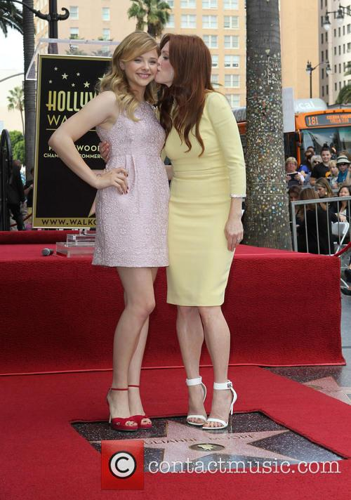 Chloe Grace Moretz and Julianne Moore 2