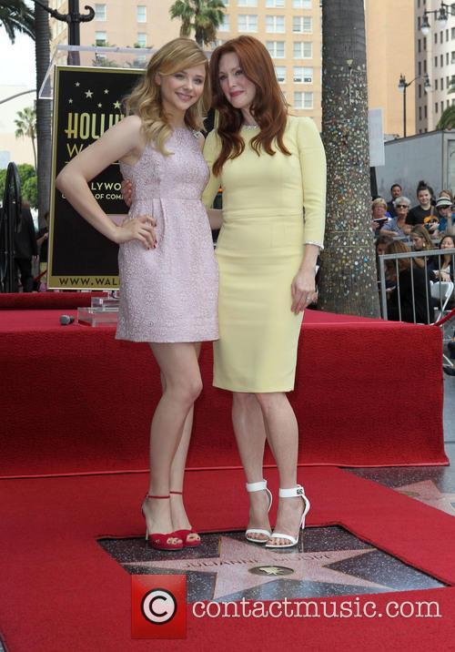 Chloe Grace Moretz and Julianne Moore 4