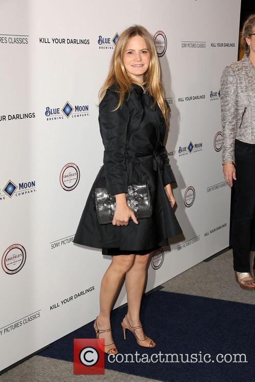 Jennifer Jason Leigh 8