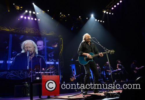 barry gibb barry gibb performs live 3891393