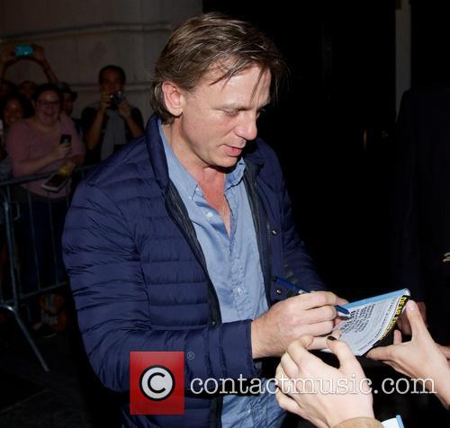 daniel craig celebrities leaving the barrymore theatre 3892170