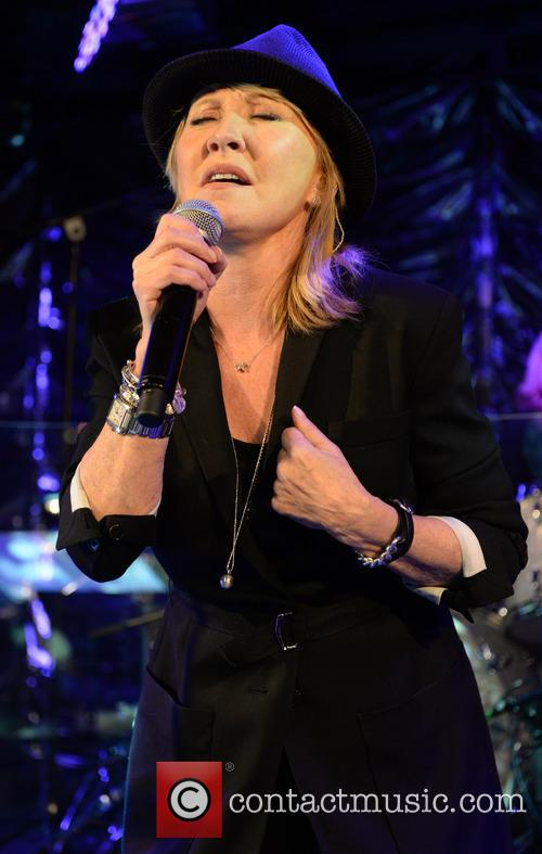 Lulu performs live at 'Under The Bridge'