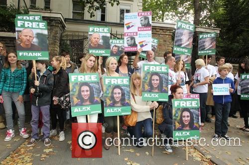 Jude Law, Damon Albarn, Free and Greenpeace 1