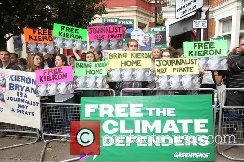 Jude Law, Damon Albarn, Free and Greenpeace 7