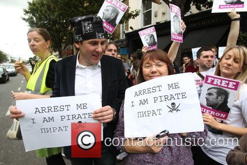 Celebrities, Free and Greenpeace 5