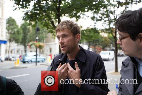 damon albarn greenpeace protests the arrests of 3892695