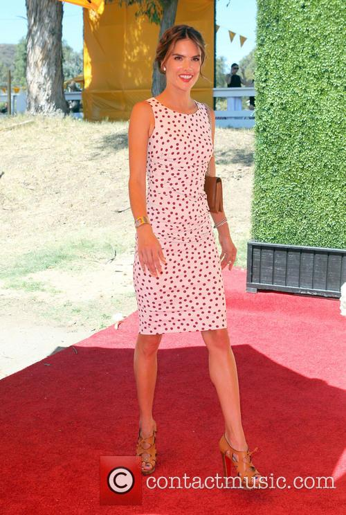 alessandra ambrosio the fourth annual veuve clicquot polo 3893114