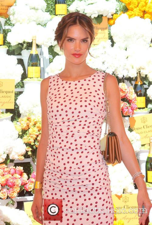 alessandra ambrosio the fourth annual veuve clicquot polo 3893202