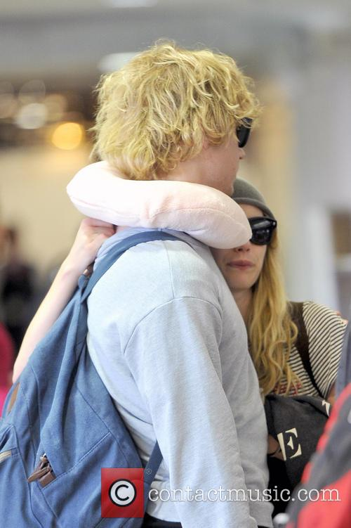 Emma Roberts and Evan Peters 11