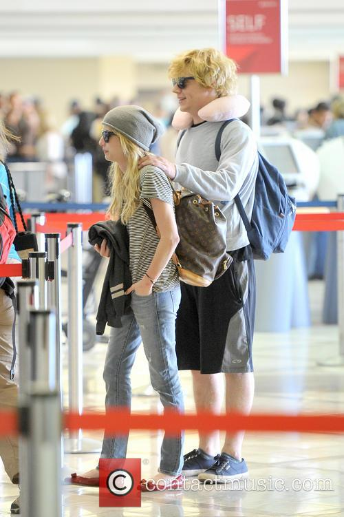 Emma Roberts and Evan Peters 13