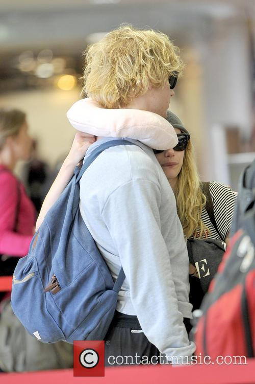 Emma Roberts and Evan Peters 24