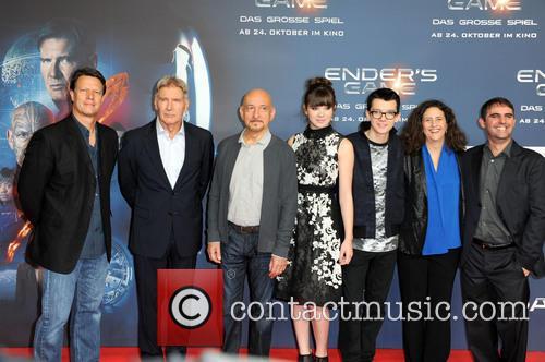 Gavin Hood, Harrison Ford, Ben Kingsley, Hailee Steinfeld, Asa Butterfield, Gigi Pritzker and Roberto Orci