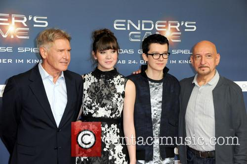 Harrison Ford, Hailee Steinfeld, Asa Butterfield and Ben Kingsley 3