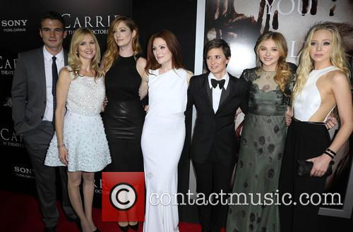 Alex Russell, Cynthia Preston, Judy Greer, Julianne Moore, Kimberly Peirce, Chloe Grace Moretz and Portia Doubleday 5