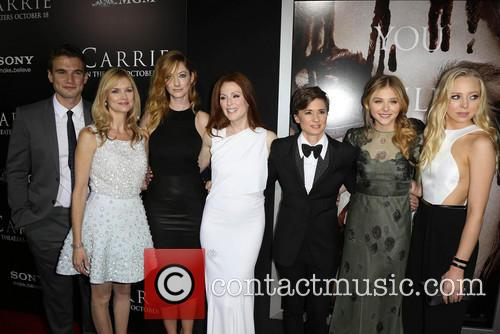 Alex Russell, Cynthia Preston, Judy Greer, Julianne Moore, Kimberly Peirce, Chloe Grace Moretz and Portia Doubleday 6