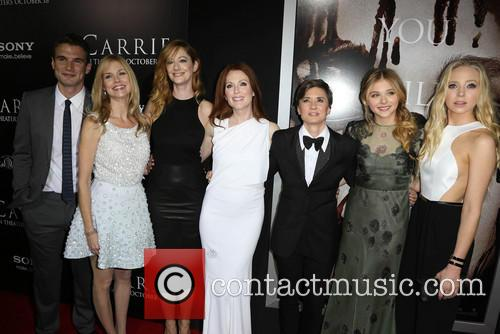 Alex Russell, Cynthia Preston, Judy Greer, Julianne Moore, Kimberly Peirce, Chloe Grace Moretz and Portia Doubleday 8